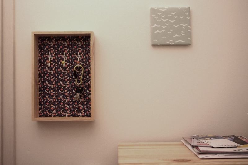 Ein Schlüsselkasten an der Wand sieht auf jeden Fall besser aus als alle Schlüssel auf dem Schrank. #DIY y'all!